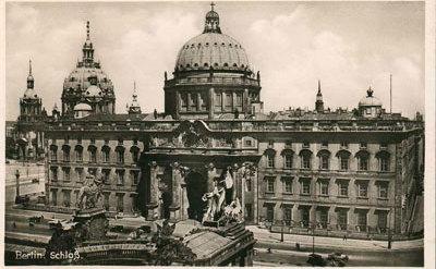 Fassaden zum Kupfergraben und zum Schlossplatz