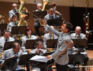 Dirigent-Stabsmusikkorps-Bundeswehr Kopie