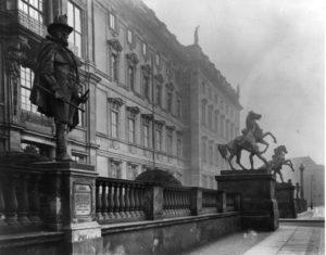 Standbild-Prinz-Moritz-Oranien-Nassau-Berliner-Schloss-Terrasse-um1905